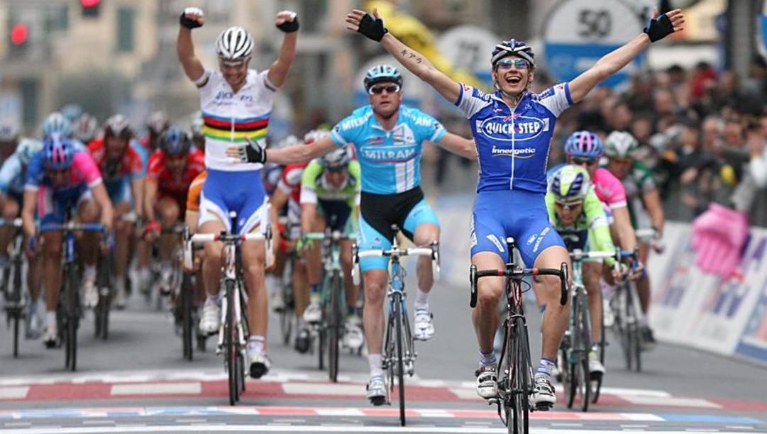 Il trionfo di Filippo Pozzato alla Milano-Sanremo del 2006. Bettini